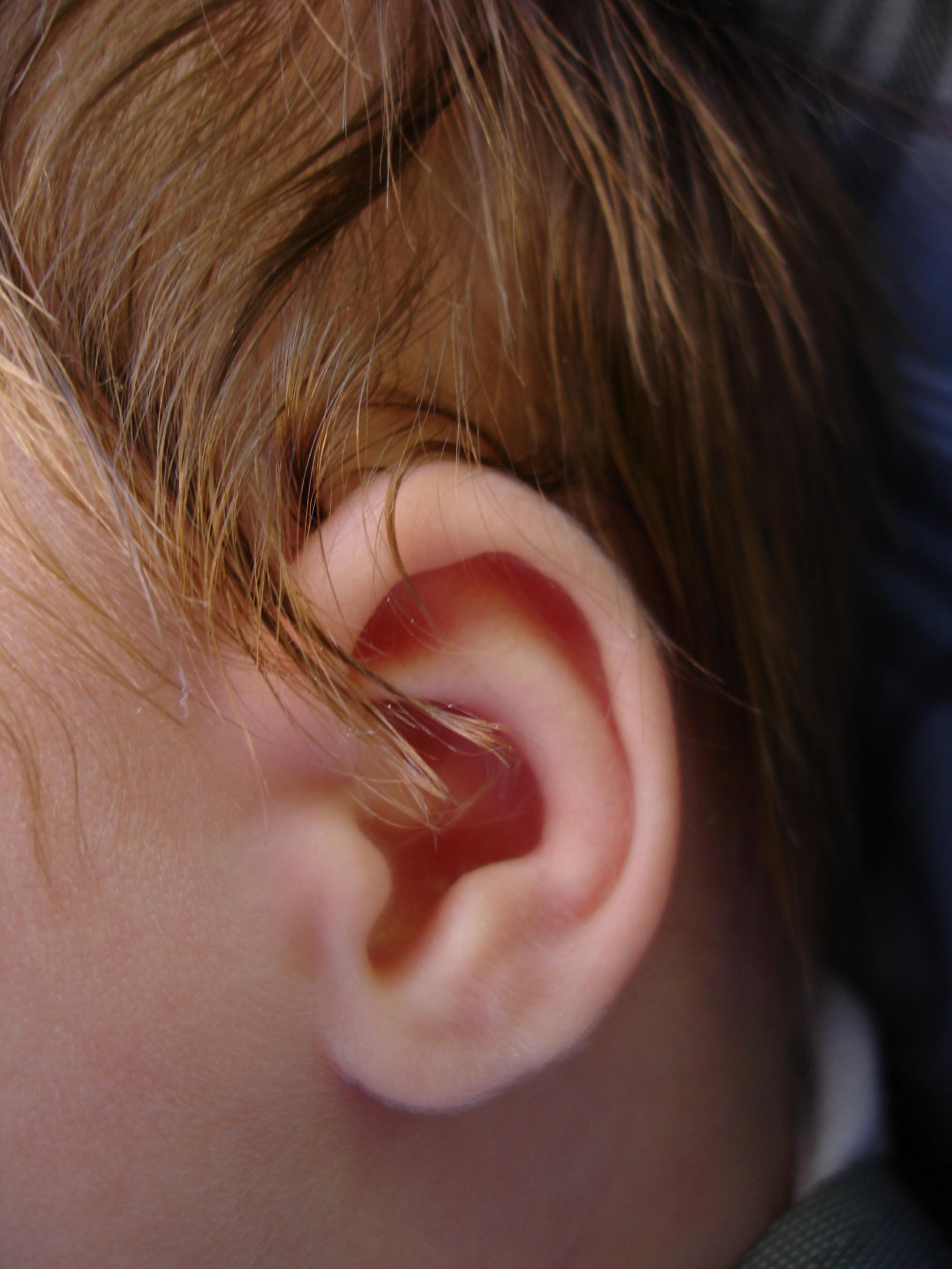 infant-ear-1564018